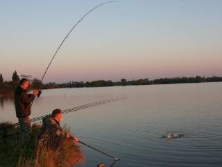 платная рыбалка калужская с ночевкой